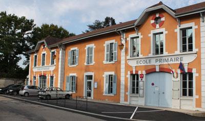Photographie de l'école primaire de Saint-Jean-le-Vieux