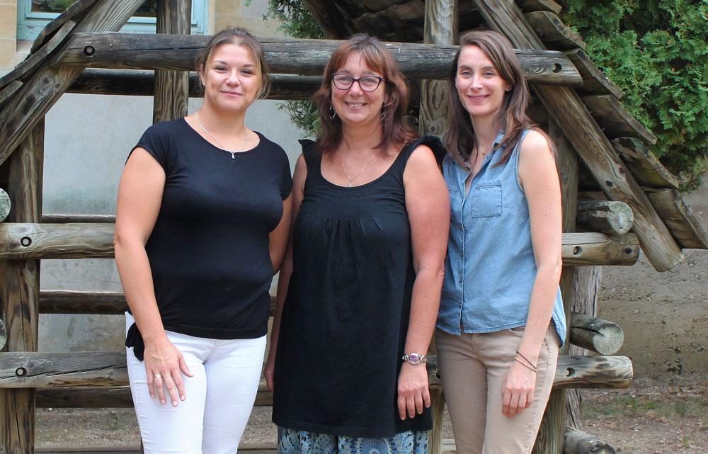 Photo de l'équipe enseignante de l'école maternelle de Saint-Jean-le-Vieux